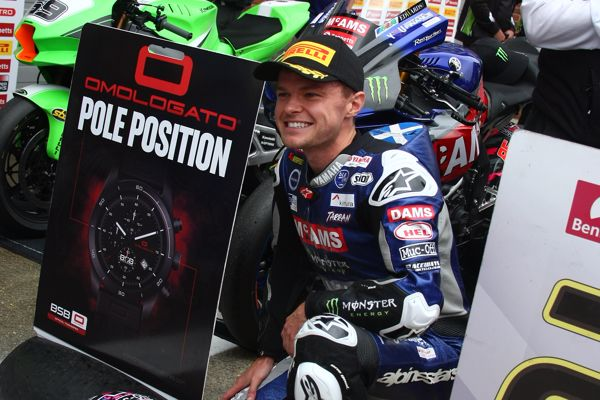 Mackenzie claims his first pole position of 2021 at Brands Hatch