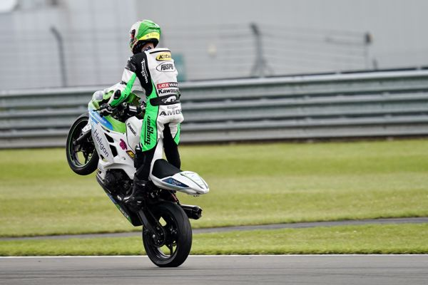 HEL British Junior Supersport: Booth-Amos ends weekend with victory