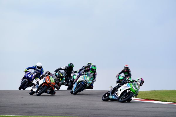 Hel British Junior Supersport: Booth-Amos does the double at Donington