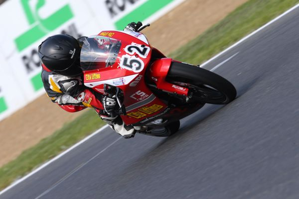 Honda British Talent Cup: Belford grabs race two win by 0.061s!