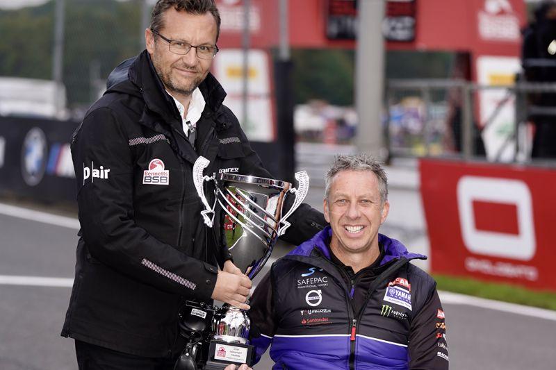 McAMS Yamaha celebrate CERATIZIT Team Trophy