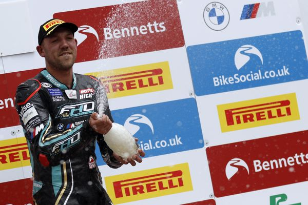 FHO Racing BMW and Hickman celebrate podium success on debut weekend